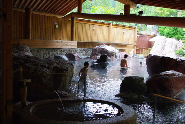 露天の岩風呂