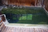 内湯のお湯は透き通っている