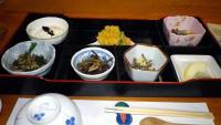 山菜中心の夕食
